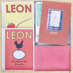 書籍やアルバムが入ったスモールボックス