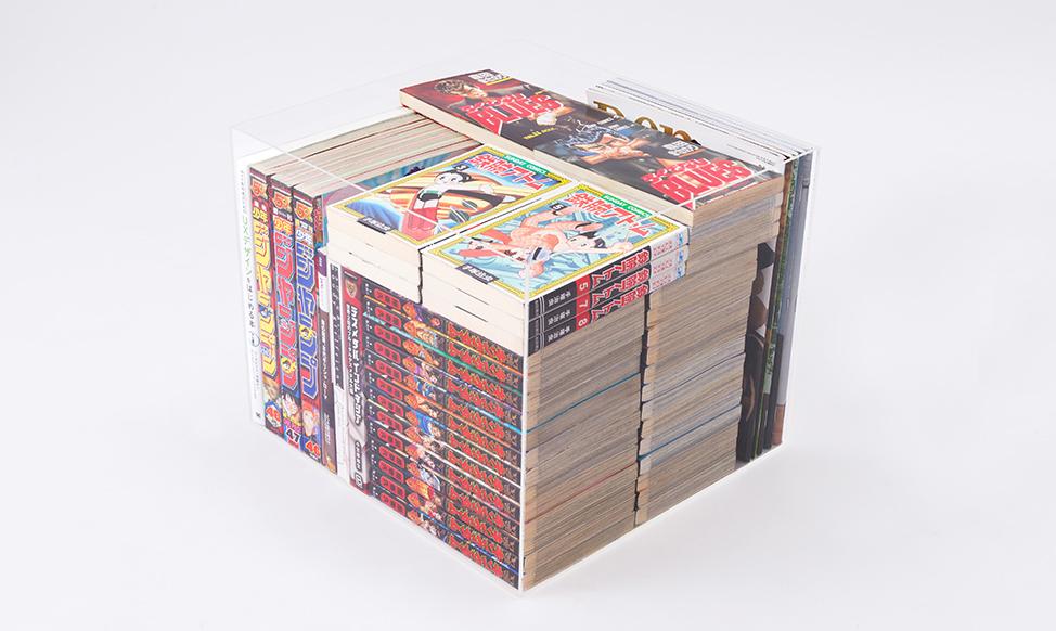 大量の漫画が入ったブックスボックス